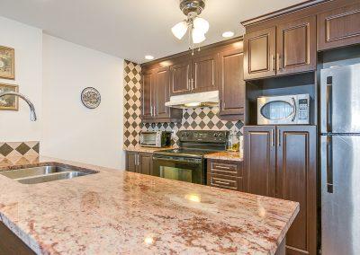 Comptoir de cuisine au 204-2250 rue Ward Ville Saint-Laurent
