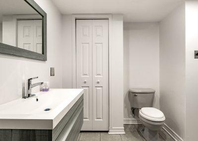 Salle de bain du 4-8911 Maurice-Duplessis