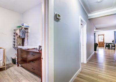 Corridor du duplex au 2188 rue Denonville