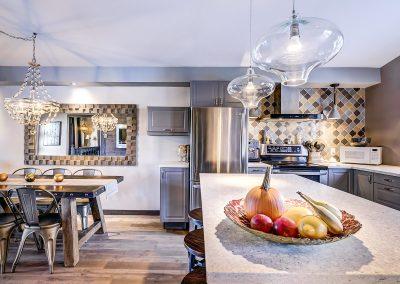 Salle à manger et cuisine du 604 rue Diane Ste-Dorothée Laval