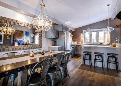Salle à manger et cusine du 604 rue Diane Ste-Dorothée Laval